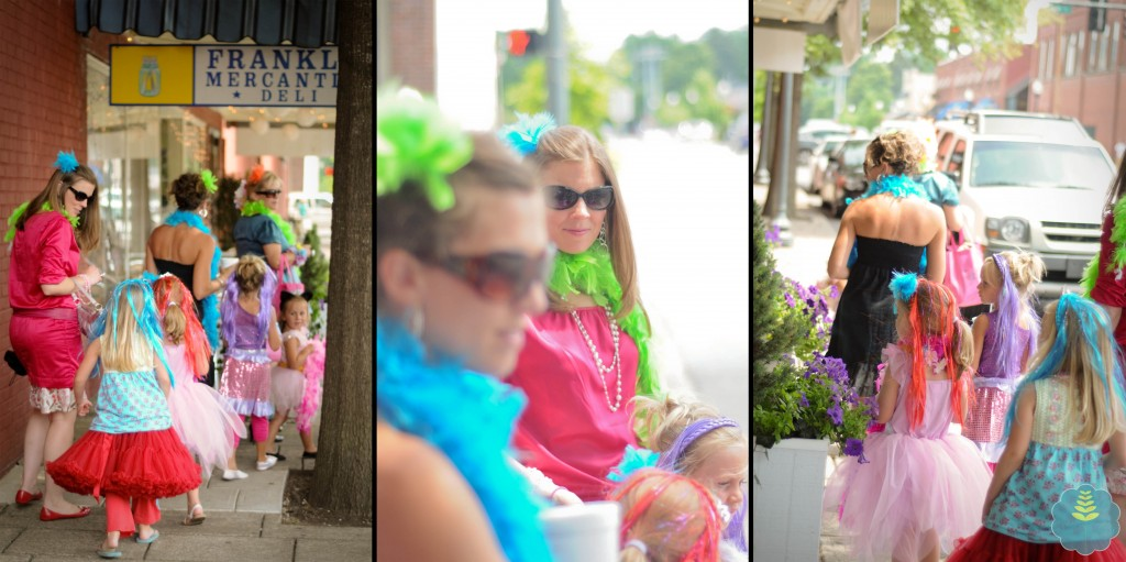 The ladies lunched and strolled through downtown Franklin - turning heads of course!